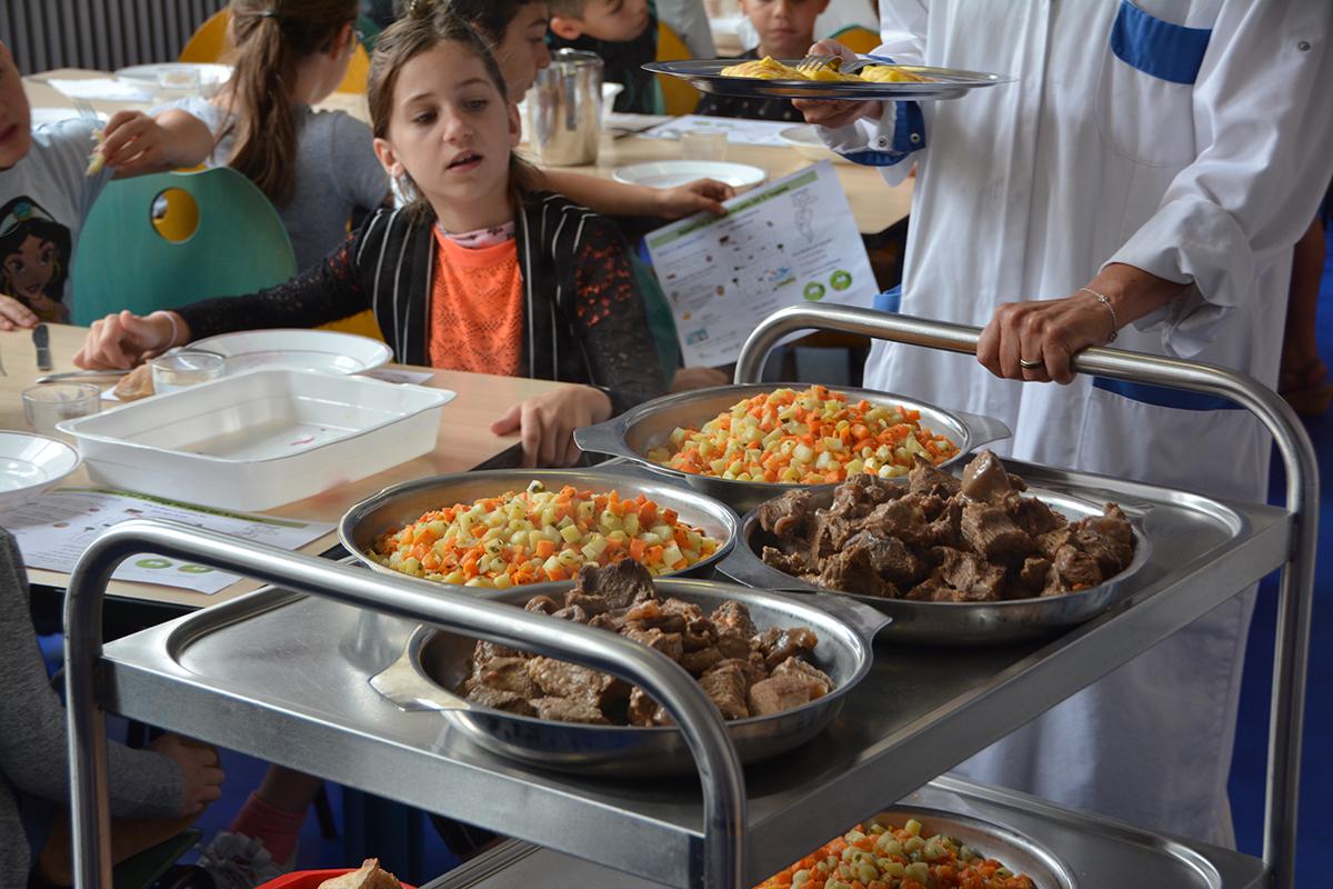 Restauration scolaire : des produits toujours plus locaux et plus sains